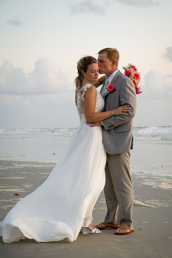 Hilton Daytona Beach Oceanfront Resort wedding | Central Florida wedding photographer | Sarah Rose Photography