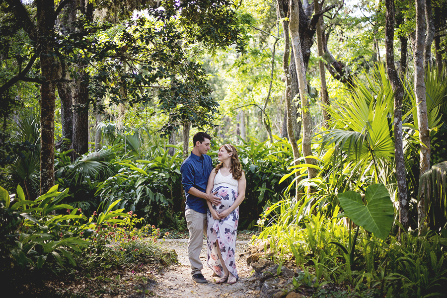 Sugar Mill Gardens maternity photos | Port Orange maternity pictures | Central Florida portrait photographer | Sarah Rose Photography