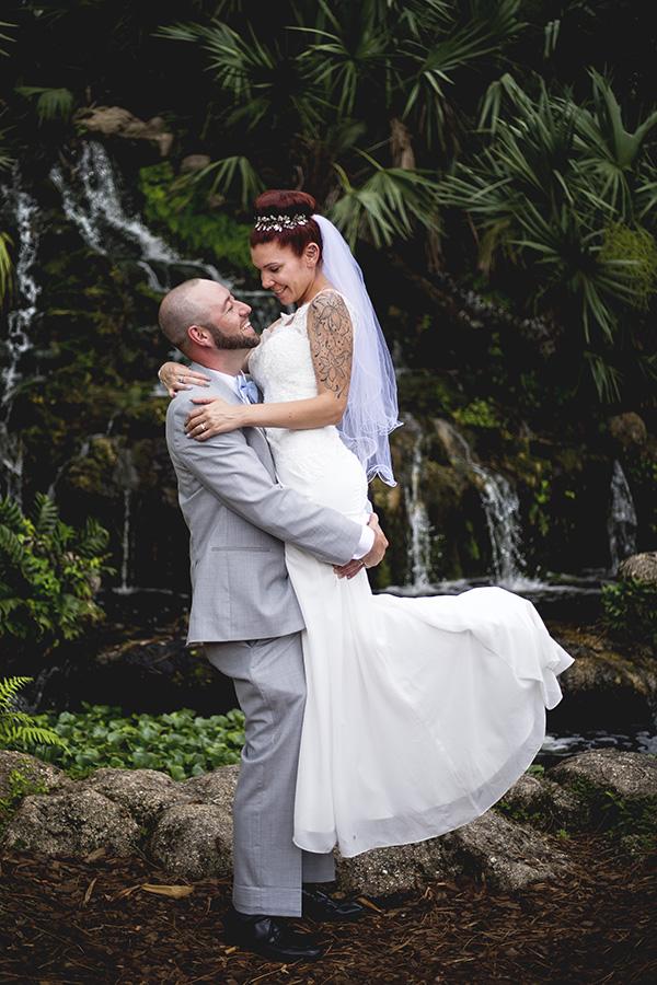 Sarah Rose Photography | Daytona wedding photographer | Bride and Groom in gardens