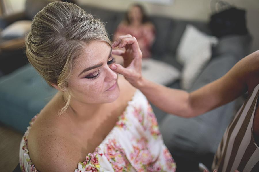 Club Lake Plantation wedding | Bride Getting Ready | Central Florida wedding photographer | Sarah Rose Photography