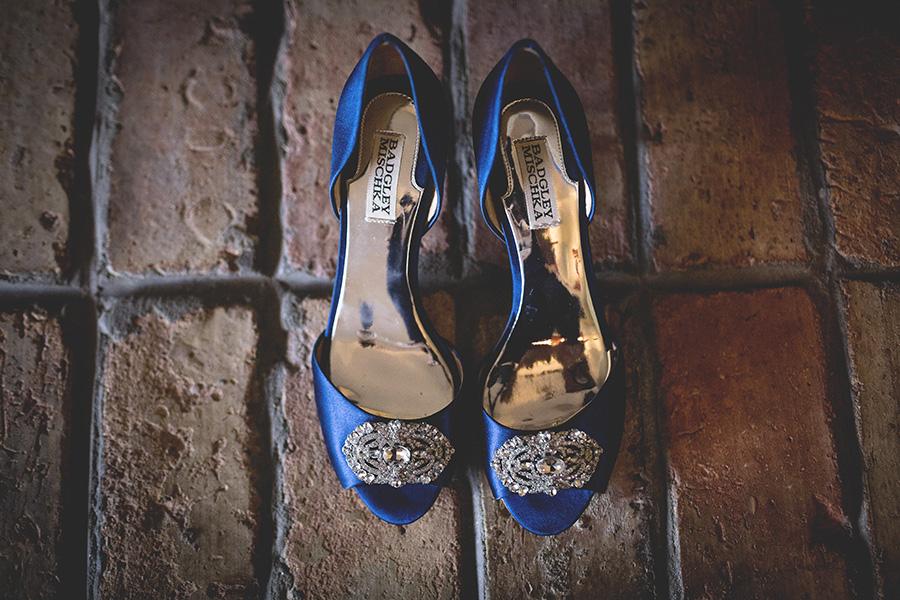 Club Lake Plantation wedding | Blue Bridal Shoes | Central Florida wedding photographer | Sarah Rose Photography