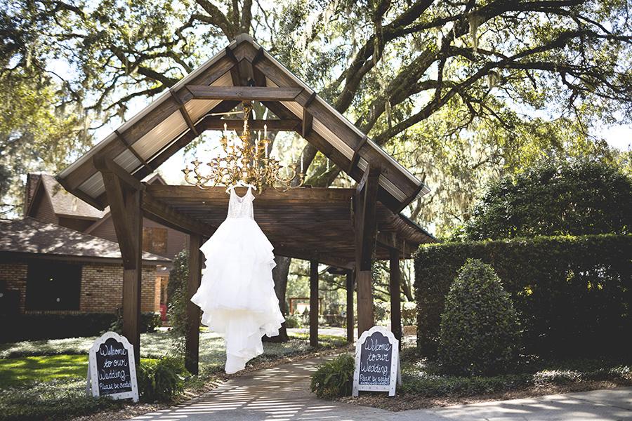 Club Lake Plantation wedding | Bridal Gown | Central Florida wedding photographer | Sarah Rose Photography